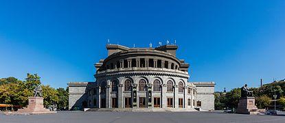 Ópera,_Ereván,_Armenia,_2016-10-03,_DD_13
